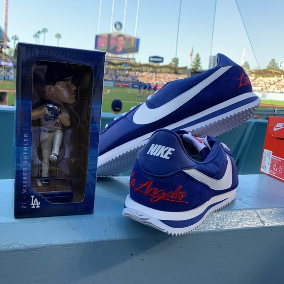 official photos 2ad1f 4f6e0 Los Angeles Dodgers Nike Cortez